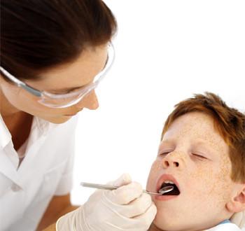 كيف نتعامل مع أمراض الفم والأسنان المصاحبة لمرض السكر ؟